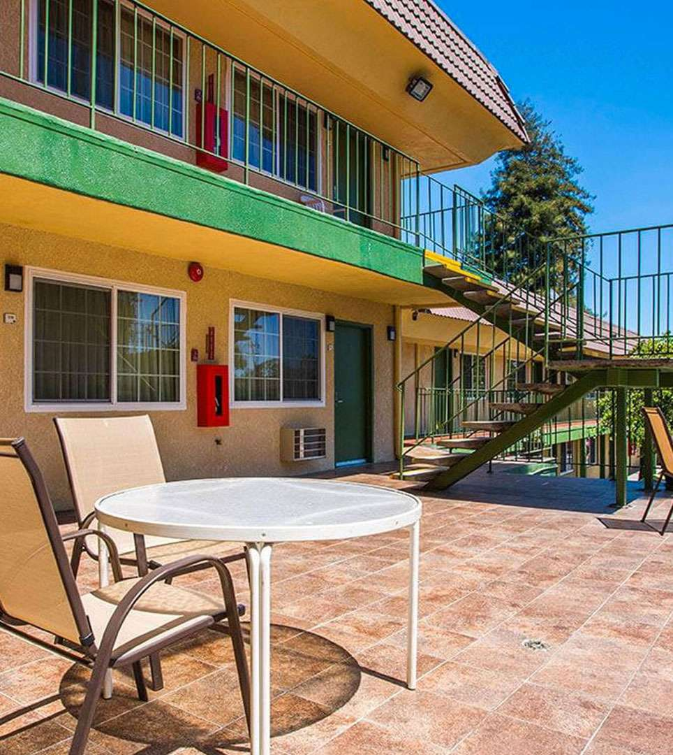 DISCOVER ALL OF THE AMENITIES AND SERVICES AT THE QUALITY INN SANTA CRUZ