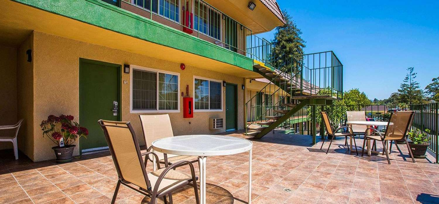 LOOK AT VIDEO OF OUR SANTA CRUZ PROPERTY BEFORE YOU BOOK