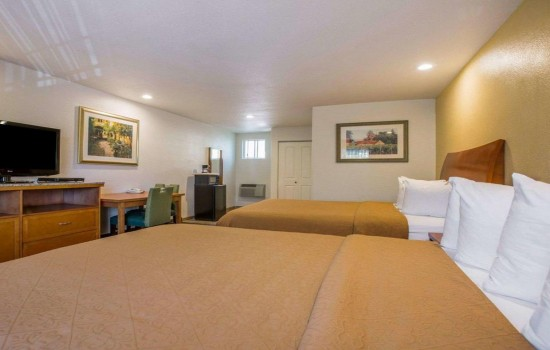 Welcome To Quality Inn Santa Cruz - Accessible Double Queen Room