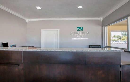 Welcome To Quality Inn Santa Cruz - Reception Desk
